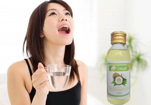 dầu dừa làm nước xúc miệng